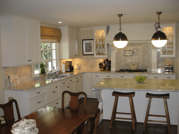 Wallpaper Accent Wall Kitchen Island Hicks Pendants - Traditional - Kitchen