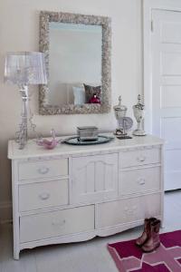 Ghost Lamp - Transitional - girl's room - Buckingham Interiors