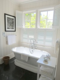 Bathroom Plantation Shutters - Cottage - bathroom