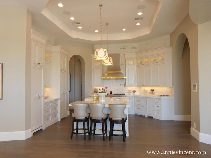 Kitchen Island Counters Octagon Tray Ceiling - Transitional - Kitchen - Caitlin