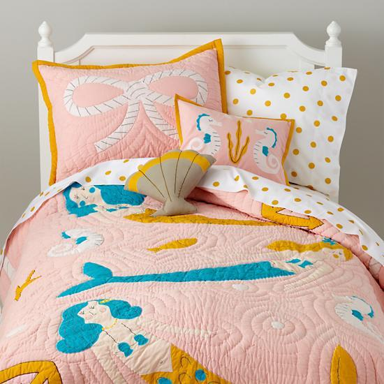 Toddler Girl Bedroom Wallpaper Mermaid Pink Quilt