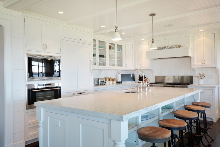 Kitchen Island With Ceiling Posts L Shaped Kitchen - Cottage - Kitchen - Hamptons Habitat