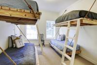 Floating Beds - Cottage - Boy's Room - HAR
