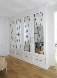 Closets with Mirrored Doors - French - Entrance/foyer