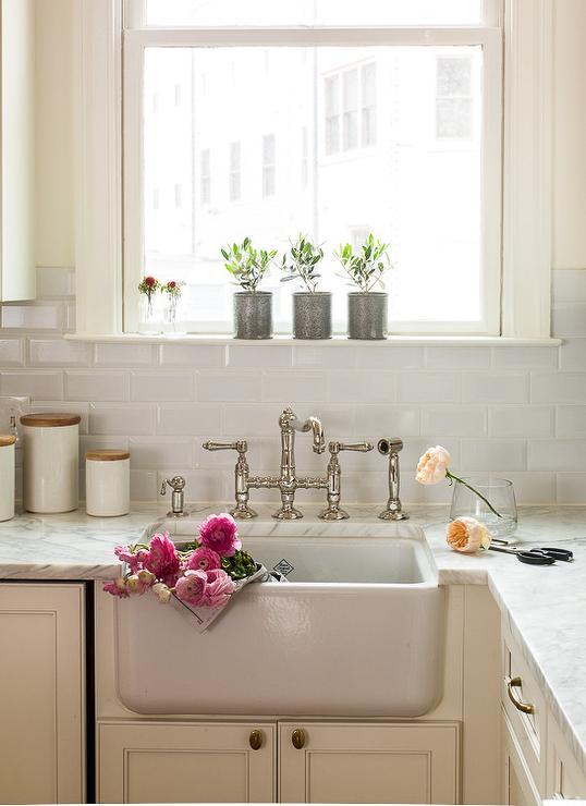 view kitchens kitchen sink backsplash ideas ehow