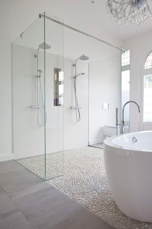 Badkamer 4 X 2 Bathroom Shower With River Rock Floor - Contemporary