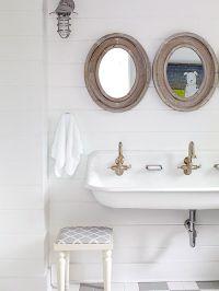 Kids Bathroom Shiplap Walls Design Ideas