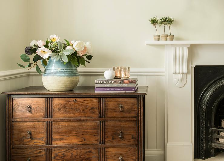 Living Room Beadboard Wainscoting - Cottage - Living Room - living room chest