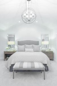 Gray Camelback Headboard with Striped Gray Bedroom Bench ...
