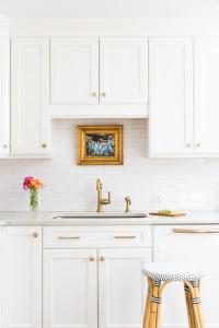 White Shaker Kitchen Cabinets with Gold Hardware ...