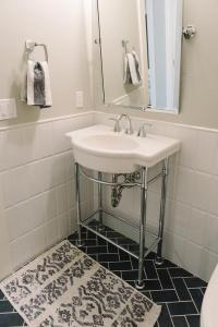 Bathroom Half Tiled Half Painted | Tile Design Ideas