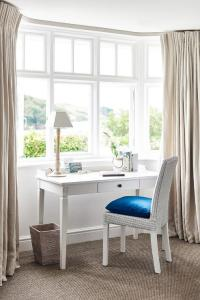 White French Desk with White Wicker Chair - Cottage - Bedroom