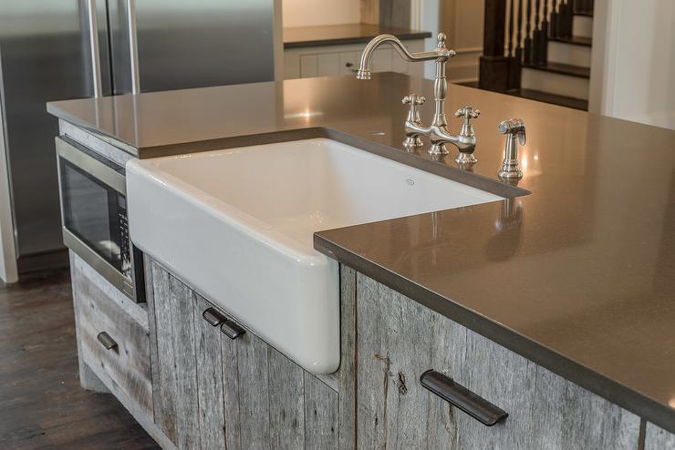 Kitchen island sink kitchen traditional eat kitchen for Barn style kitchen sink