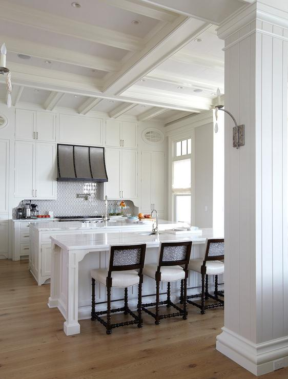 Cottage Kitchen Island Kitchen Cabinets That Go All The Way Up To The Ceiling
