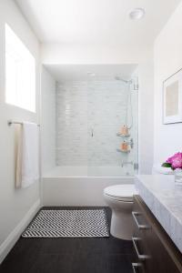Black And White Chevron Bathroom Floor Tiles Design Ideas