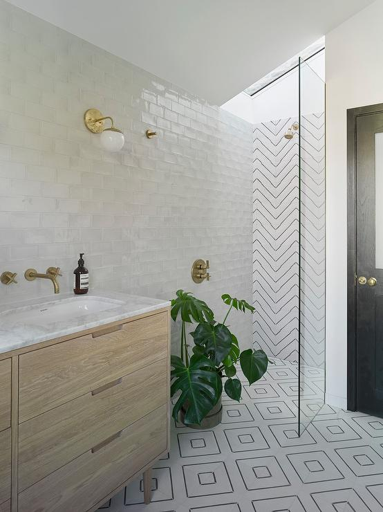 Marble Round Small Modern Walk In Shower - Modern - Bathroom