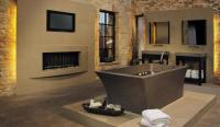 15 Examples of Opulence And Elegance: Bathrooms With Fireplace