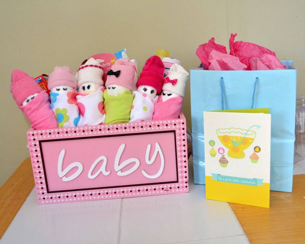 Babygeschenke Zur Geburt Junge 25 Diy Baby Shower Gifts For The Little Girl On The Way
