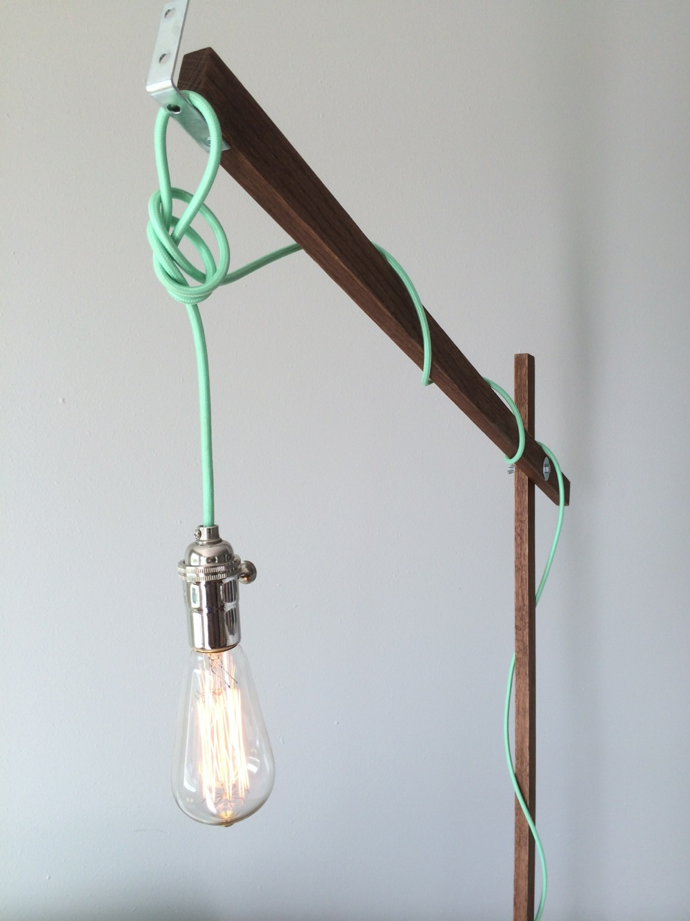 Fancy Standing Lamps Light Up The Living Room With These 25 Diy Floor Lamps