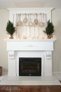 25 Winter Fireplace Mantel Decorating Ideas