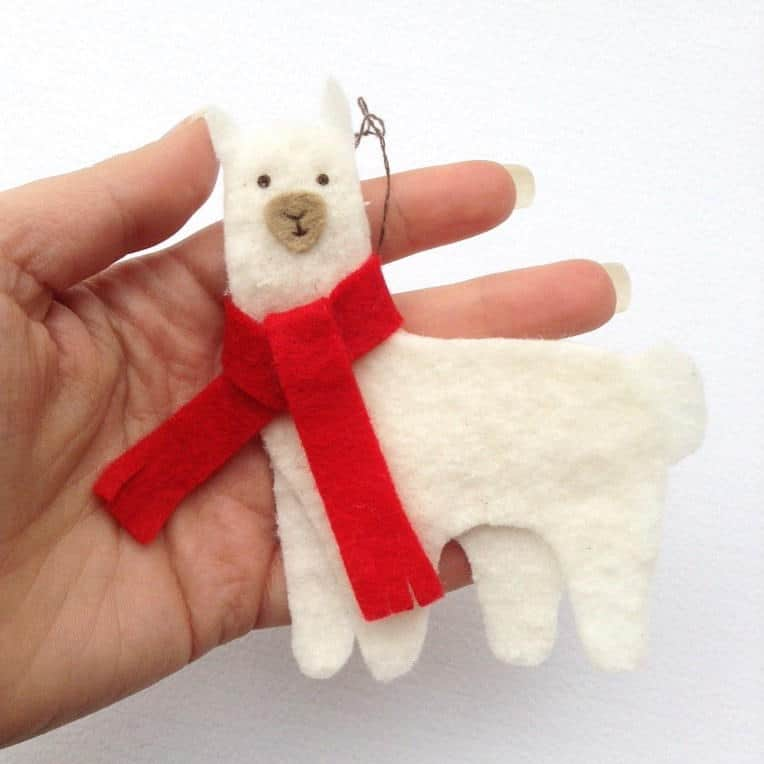 With Out Cloth Girl Wallpaper 15 Diy Felt Christmas Ornaments To Make With The Kids