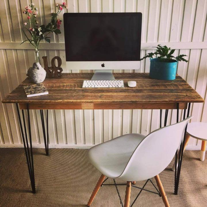 Diy Desk With Hairpin Legs 125 Awesome Diy Pallet Furniture Ideas Page 5 Of 12 Easy