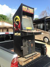 "Guy Answers A ""Free Mortal Kombat Cabinet"" Ad On ..."