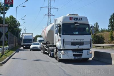 Greva transportatorilor rutieri a blocat centura Oradiei (FOTO/VIDEO)
