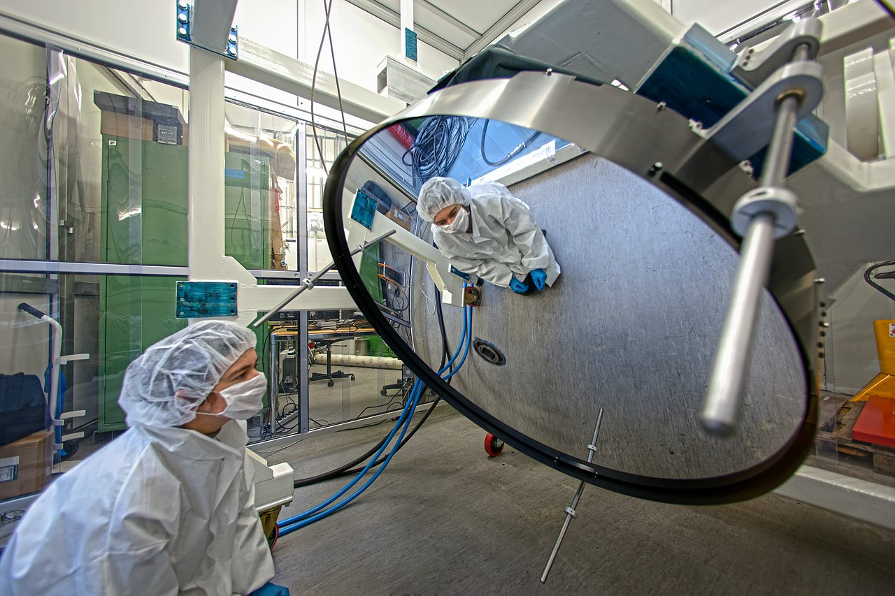 Specchio Significato Super Thin Mirror Under Test At Eso Eso