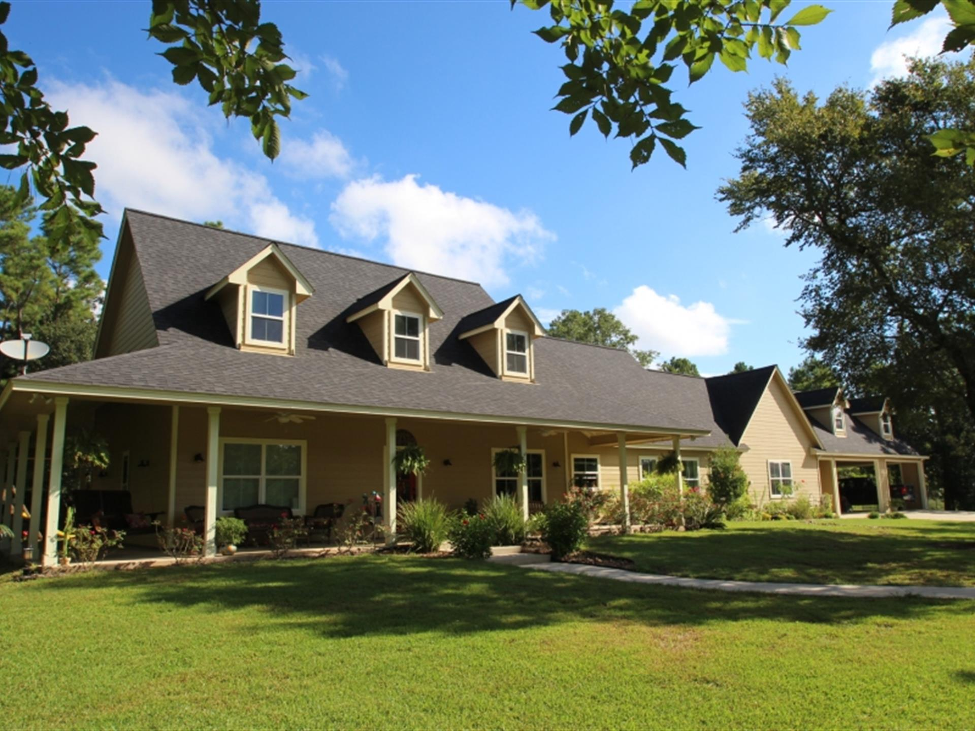 Farmhouse For Sale In Texas Hideaway Farms Farm For Sale Montgomery Montgomery County Texas