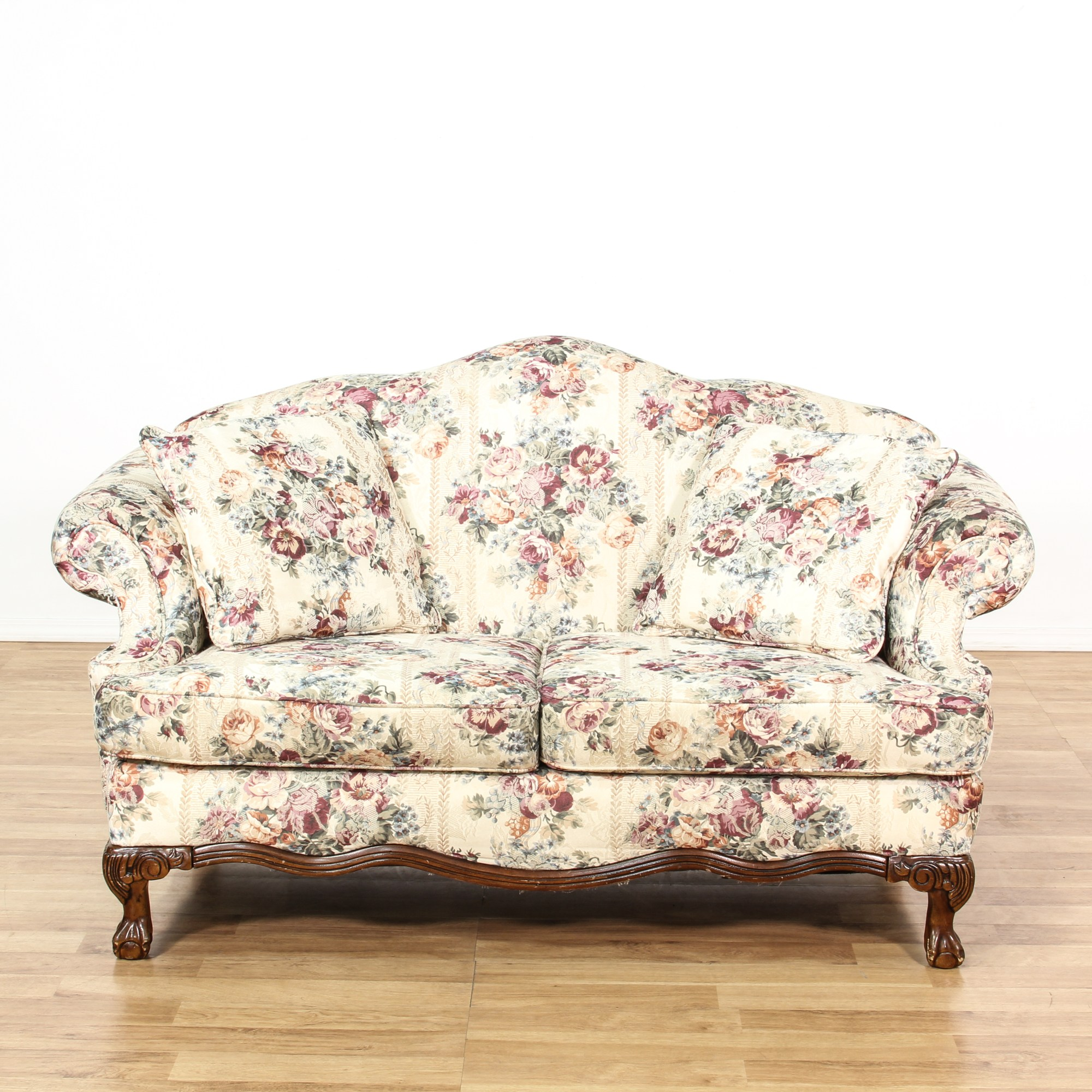 Antike Sofas & Loveseats Curved Back White Floral Loveseat Sofa Loveseat Vintage
