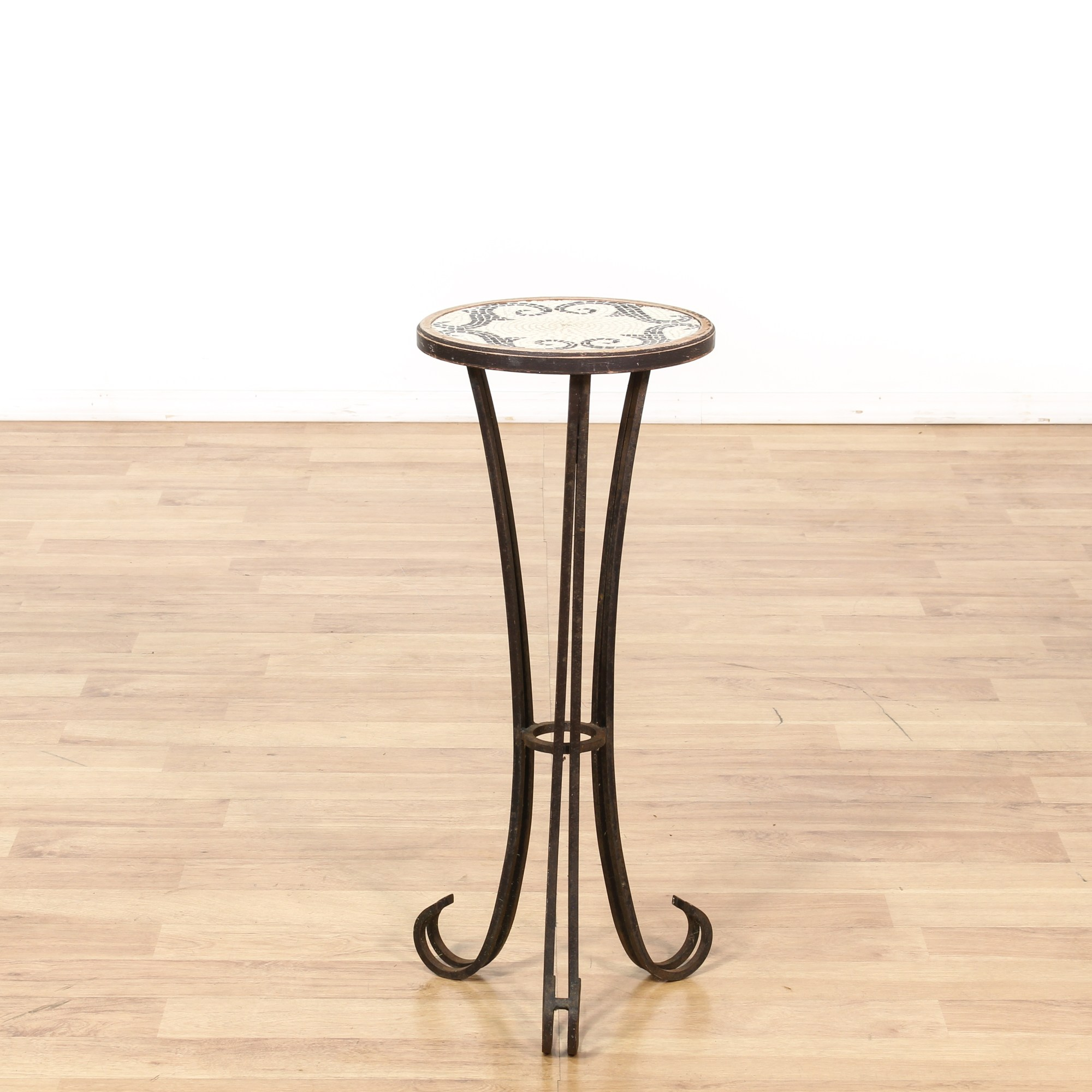 Black Wire Plant Stand Round Mosaic Tile Top Metal Plant Stand Loveseat Vintage