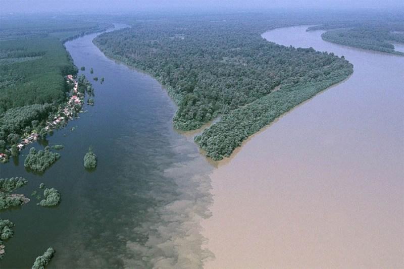 8. Слияние рек Драва и Дунай недалеко от хорватского города Осиек река, течение