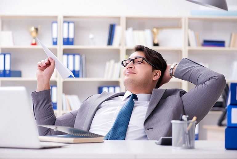 Have a Slacker Coworker? How Not to Get Blamed for Their Laziness