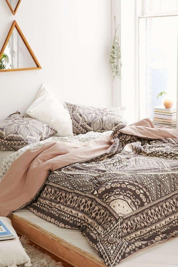 schlafzimmer ideen im boho stil_schöne bettwäsche in bohemian - 50 schlafzimmer ideen im boho stil
