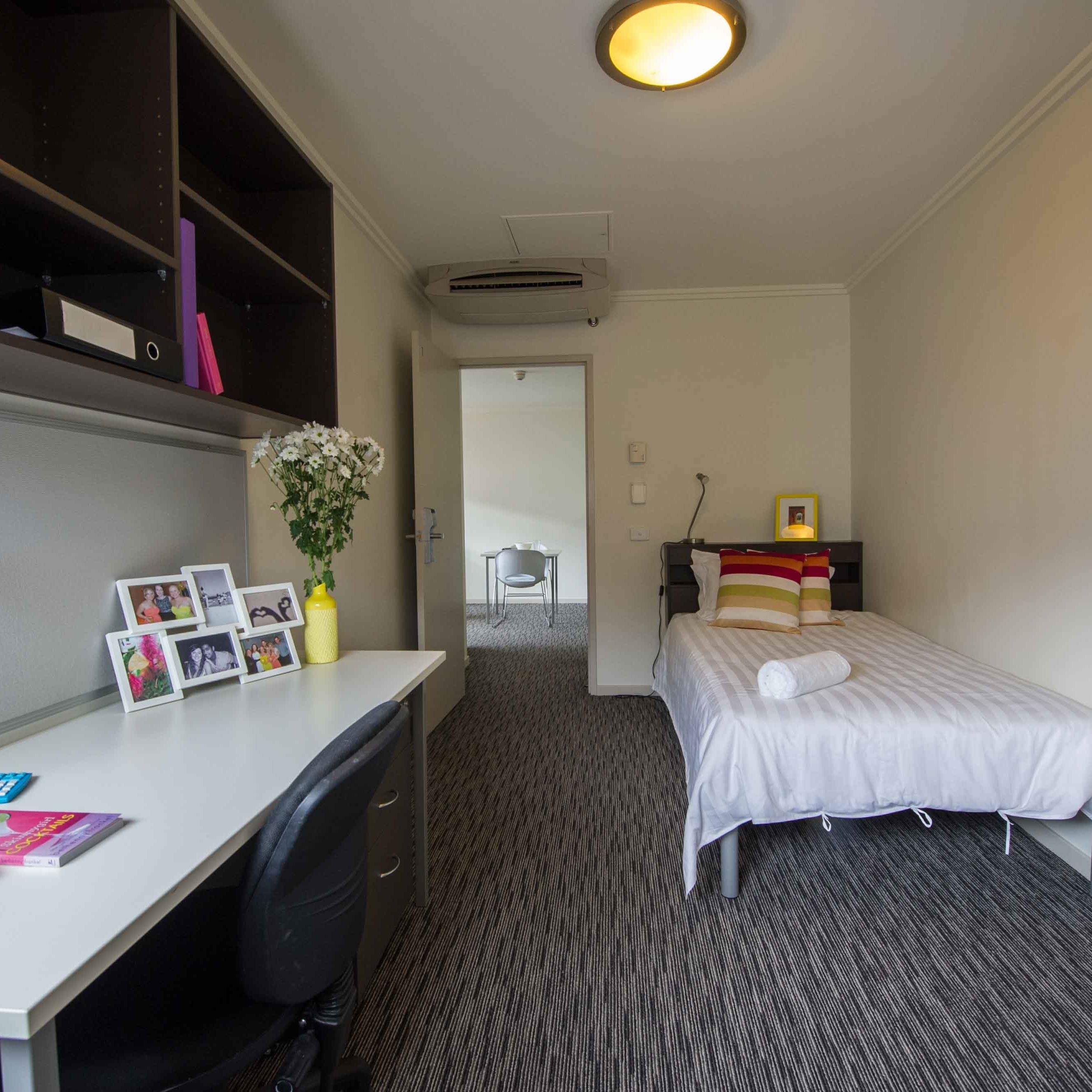 2 Bedroom Accommodation Canberra Student Accommodation Canberra Unilodge Kinloch Lodge Anu