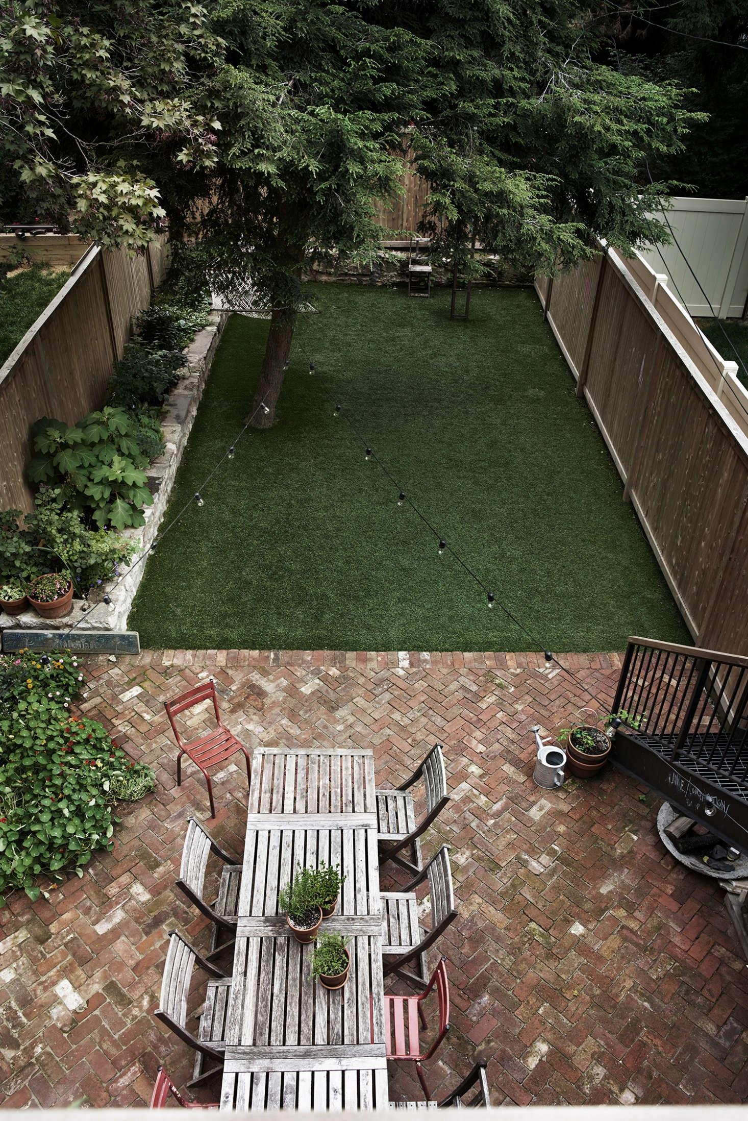 Buy Fake Grass Pros And Cons Artificial Grass Versus A Live Lawn Gardenista