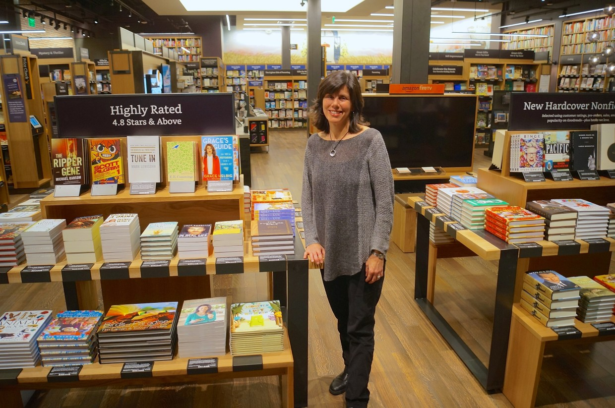 Inside Amazons First Bookstore How The Online Giant Is