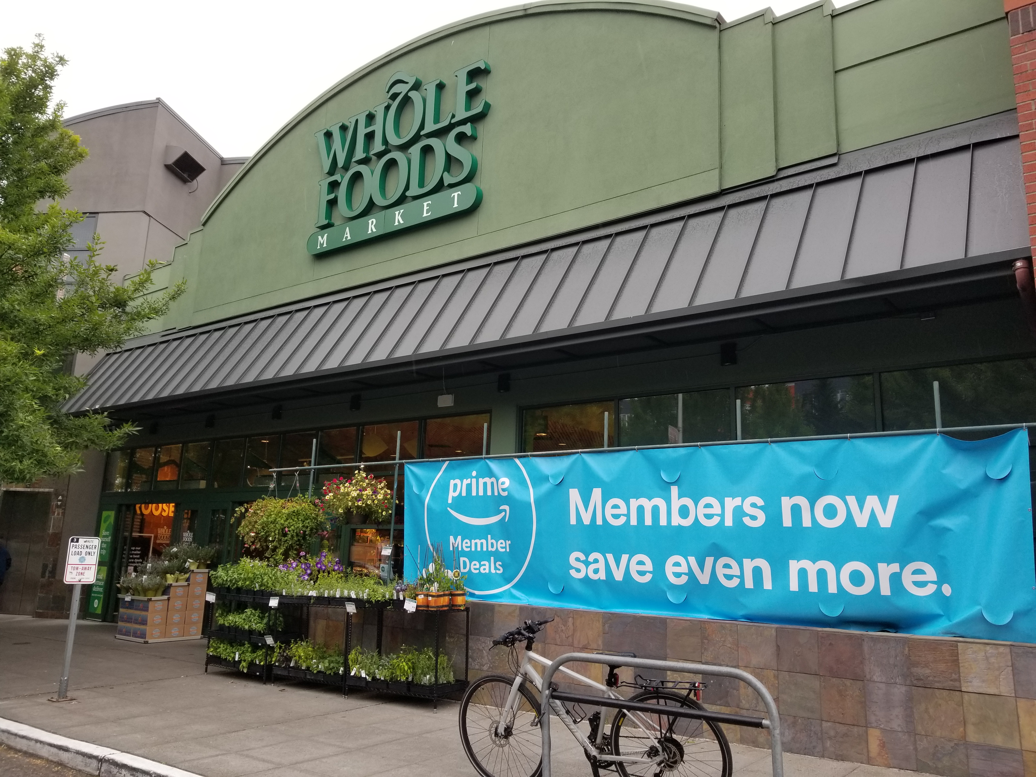 Amazon Whole Foods Amazon To Cut Prices On Hundreds Of Whole Foods Items This