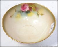 A Royal Worcester Ivory blush fruit bowl being handpainted ...