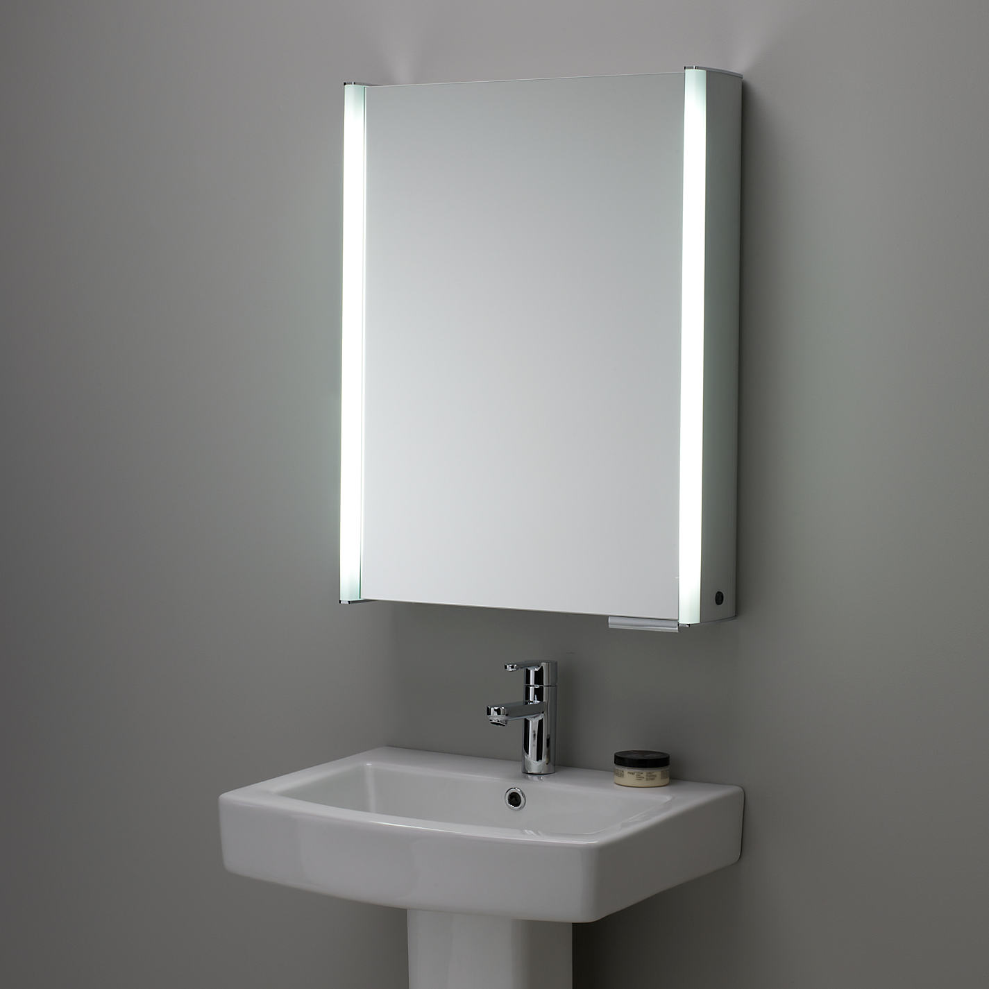 illuminated bathroom mirrors with shaver socket