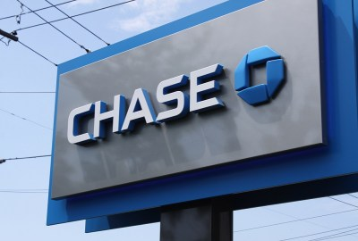 Chase Bank to Close 300 Branches to Save $1.4 Billion by 2016   GOBankingRates