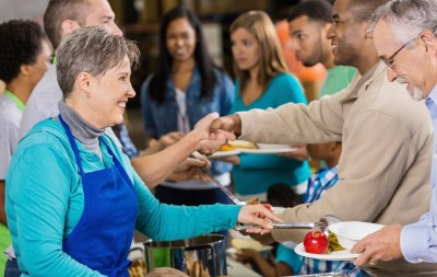 10 Best (and Free) Ways to Give Back This Thanksgiving   GOBankingRates