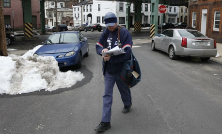 200K Postal Workers Would See Pay Raises, Benefit Cuts Under New