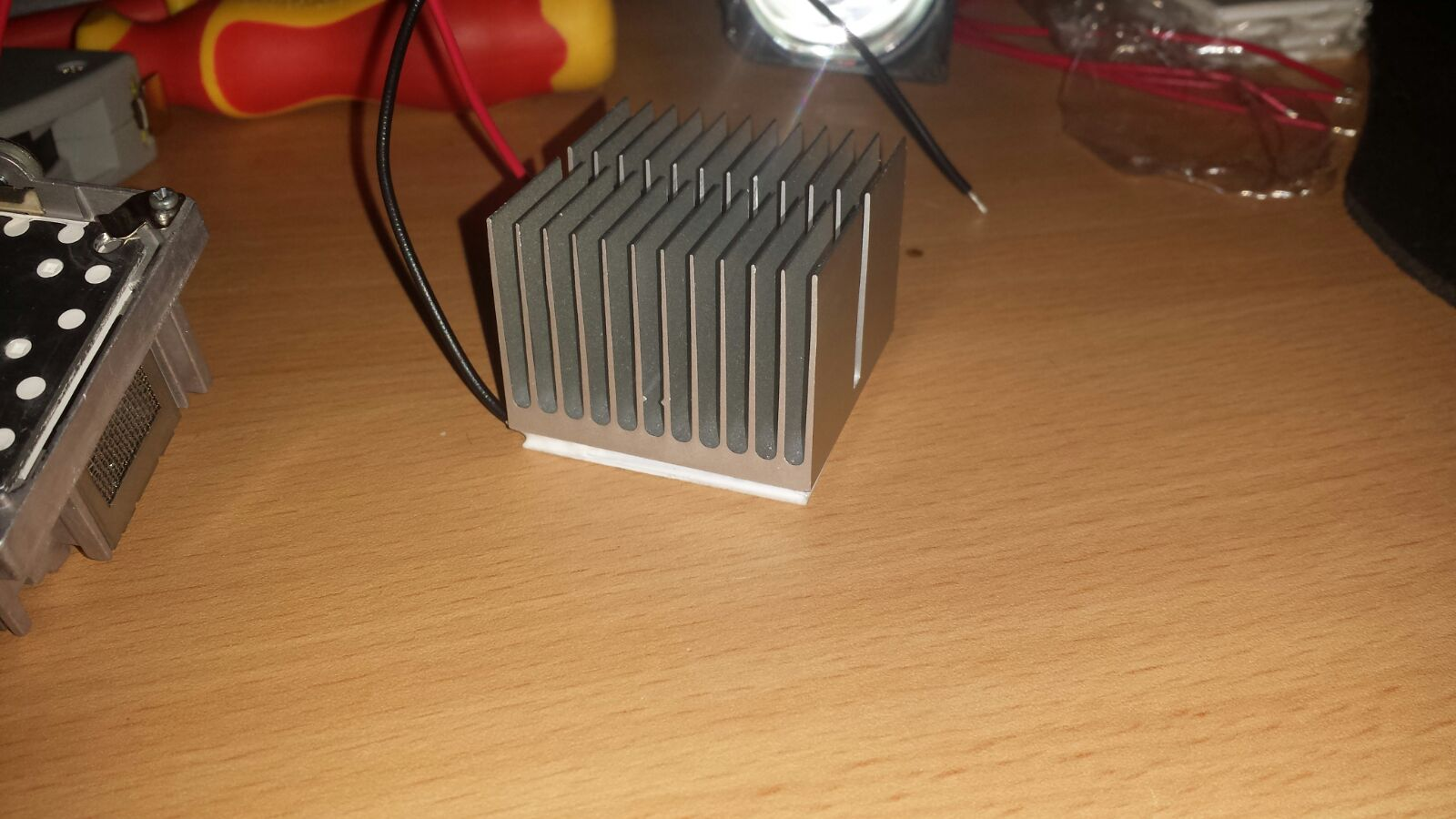 Beamer Lamp Diy Led Beamer Lamp With Peltier Cooling Hackaday Io
