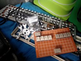 8-bit binary/hex/braille keyboard