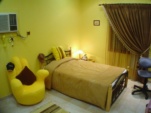 yellow themed rooms bedroom ideas