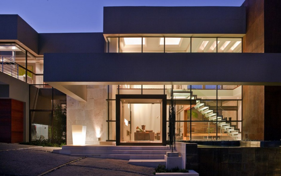 Beautiful Architecture: House With Pool In Johannesburg