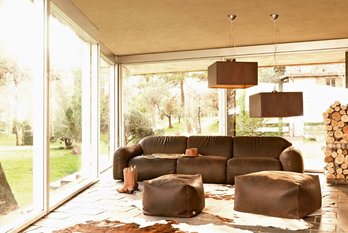 Living Room Brown Sofa Busnesli Brown Couch Country Living Room Interior Design