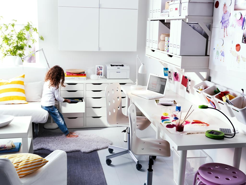 Funky Office Desk Funky Workspaces With Artistic Flair
